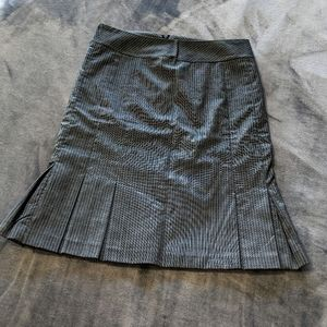 Le Chateau pencil skirt with pleating